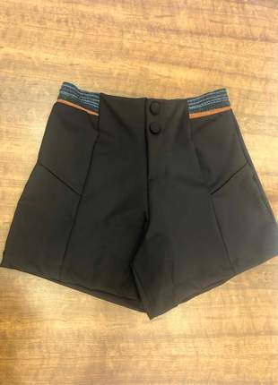 Shorts em neoprene