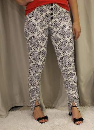 Calça feminina de brim cintura alta
