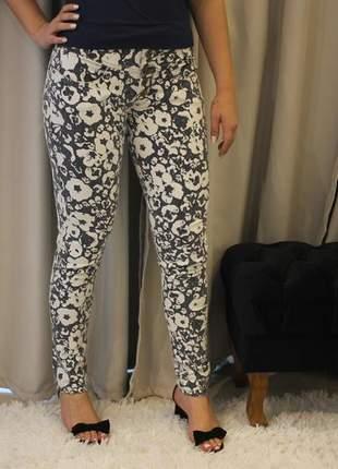 Calça jeans estampa