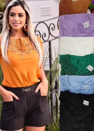 Blusa feminina em detalhes tecido crepe moda evangélica secretaria passeio social