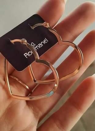 Brinco rommanel argola formato coração vazado. med 3,4 cm 523182
