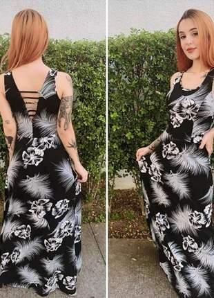 Vestido longo com detalhe de tirinha nas costas