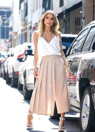 Calça saia plissada pantalona em linho, estilo casual e confortável e super fashion