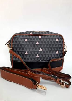 Bolsa pequena transversal triangulo preta