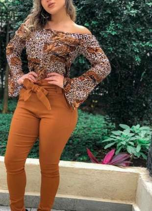 Calça plus size cintura alta cinto laço bengaline