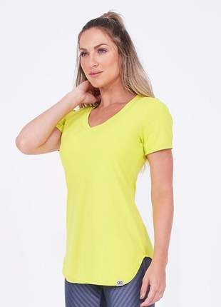 T-shirt alto giro skin fit alongada amarelo lemon