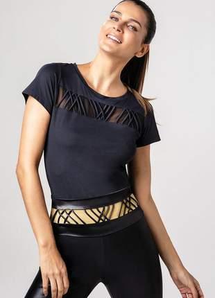 T-shirt alto giro skin fit roletes frente preta fernanda motta