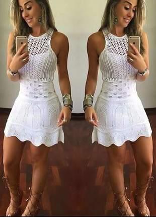 Vestido curto trico crochê renda
