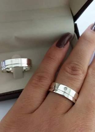 Par de aliança 6mm friso lateral em prata