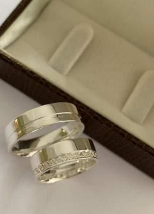 Par de aliança 6mm friso lateral feminina cravejada prata namoro