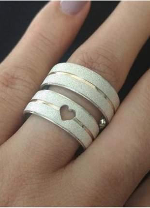 Par de aliança 8mm coração vazado e fio de ouro na prata