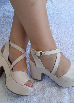 Sandália plataforma feminina anabela salto alto grosso off white