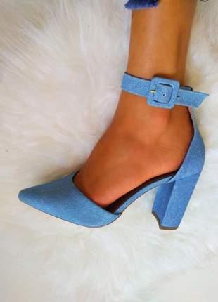 Sapato scarpin feminino azul bebê salto grosso bico fino