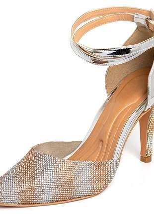 Sapato scarpin salto alto em napa verniz prata com strass rose e prata
