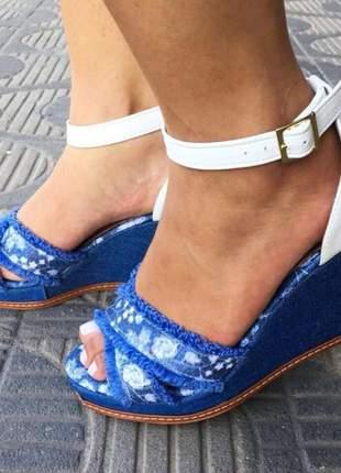 Sandália feminina plataforma doma shoes jeans e branco