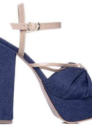 Sandália meia pata  napa bege e jeans;