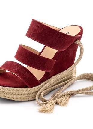 Sandália anabela salto alto em vermelho com detalhes no salto em jura e sisal