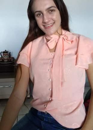 Blusa em crepe com manga flare roupas evangelicas