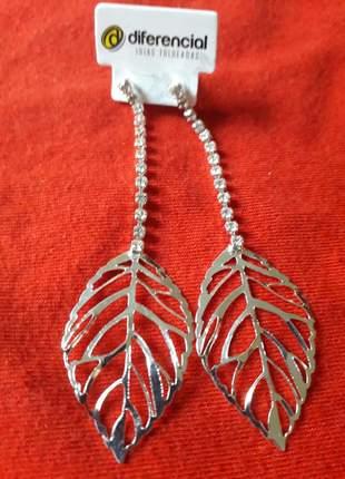 Brinco folhas de prata