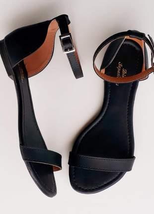 Sandália feminina rasteira preta flat lançamento