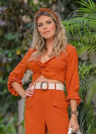 Conjunto style calça cintura alta e cropped decote transapassado