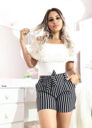 Shorts feminino listrado com laco