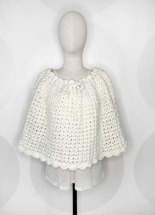 Poncho de crochet de lã liso feito à mão