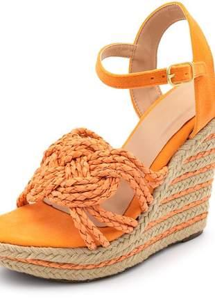 Sandália anabela salto alto em camurça laranja e trança laranja